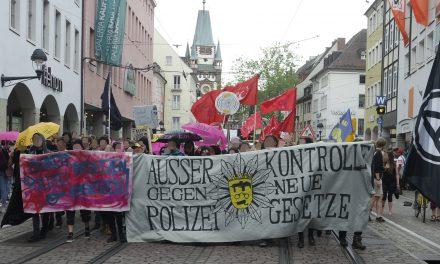 450 Menschen demonstrieren in Freiburg gegen das neue Polizeigesetz in BaWü