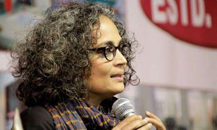 Wanderung mit den Genossen [Arundhati Roy]