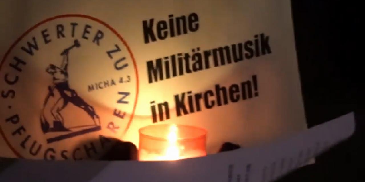 Video von Protestaktion gegen Militärkonzert in der Leonhardskirche