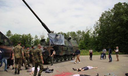 Protest gegen KSK und Militärkonzert beim Tag der Bundeswehr