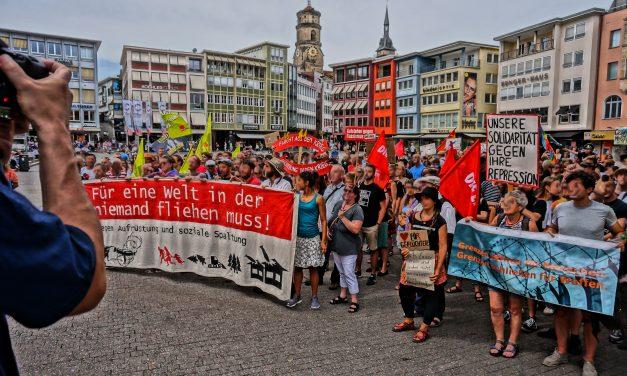 Bericht der Kundgebung: Stoppt die Kriminalisierung von Seenotrettung!