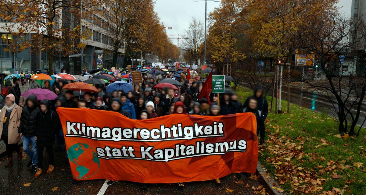 Tausende beim Klimastreik auf der Straße