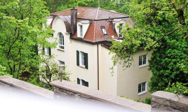 Leeres Hotel in Stuttgart kurzzeitig besetzt