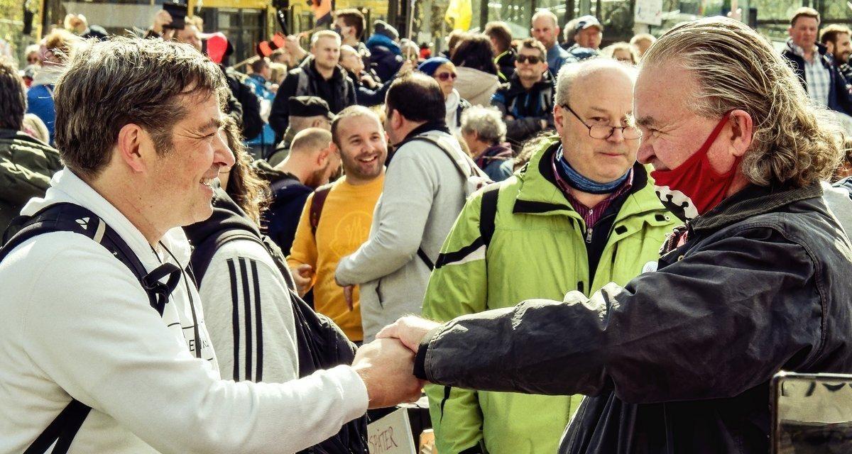 Querdenken und die organisierte Rechte in Stuttgart Eine Einschätzung zu rechten Akteuren am 3. April 2021