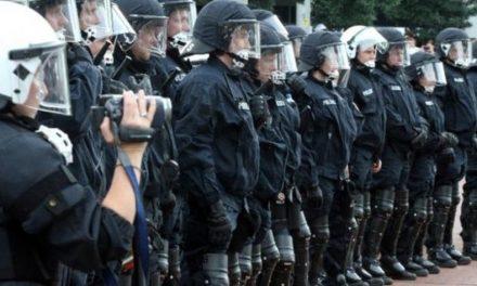 Text: Was kommt vor dem Aufstand? Die Bekämpfung. Innere Militarisierung im Kapitalismus